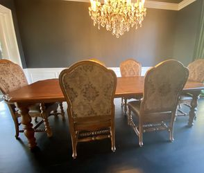 Bernhardt dining Set for Sale in Rochester Hills,  MI