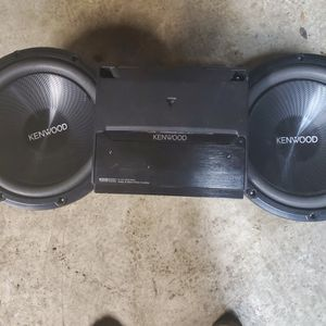 Kenwood 12's & Amp (No Box) for Sale in Detroit, MI