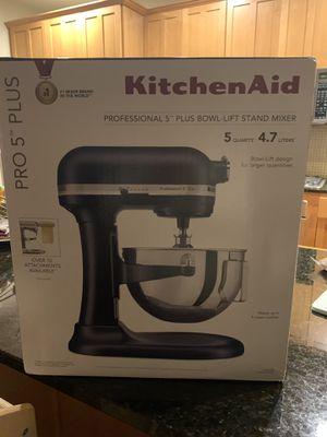 Brand new sealed KitchenAid - Pro 5 Plus Series Bowl-lift Stand Mixer for Sale in Renton, WA