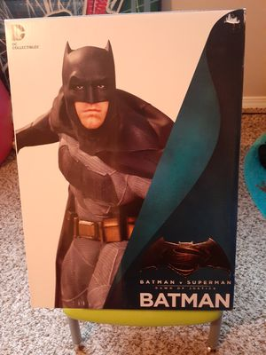DC Comics Collectibles Batman vs Superman statue for Sale in Tacoma, WA