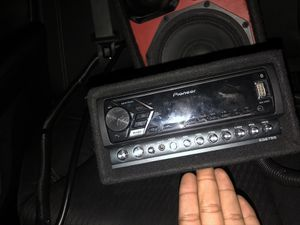 Radio box with eq and medusa for Sale in New York, NY