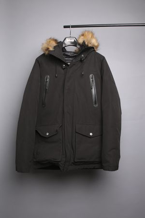 Schott NYC Down-Filled Parka with Waterproof Zippers -Size L for Sale in West Hollywood, CA