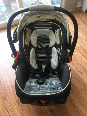 Baby car seat for Sale in Lancaster, OH