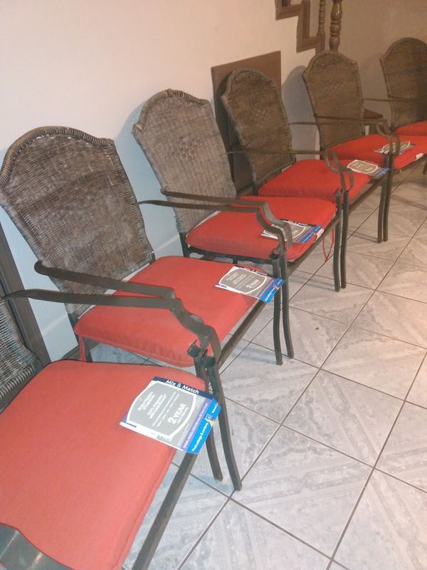 Set of garden chairs real good condition set of 6 . Real Great Price