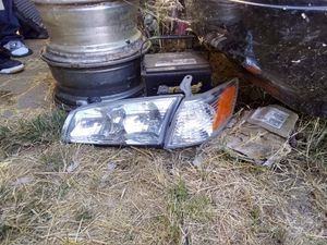 2001 Toyota Camry headlight and marker for Sale in Oakland, CA