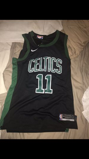 Kyrie Irving Celtics Jersey LG 48 for Sale in Miami Shores, FL
