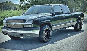 14OO$ Chevy Silverado 4Wd Yr-O4 for Sale in Port Lavaca, TX