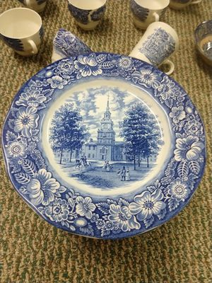 Staffordshire LIBERTY BLUE dinner plates for Sale in Fort Lauderdale, FL
