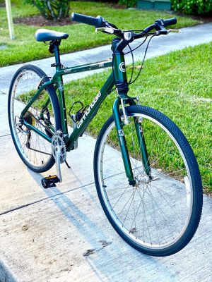 """Cannondale Silk Path 300 Bike - 700c (27.5"""") with Advanced Caad2 Aluminum Frame 18"""" (45.7cm) - 21 speed - Made in Usa with bottle holder for Sale in Boca Raton, FL"""