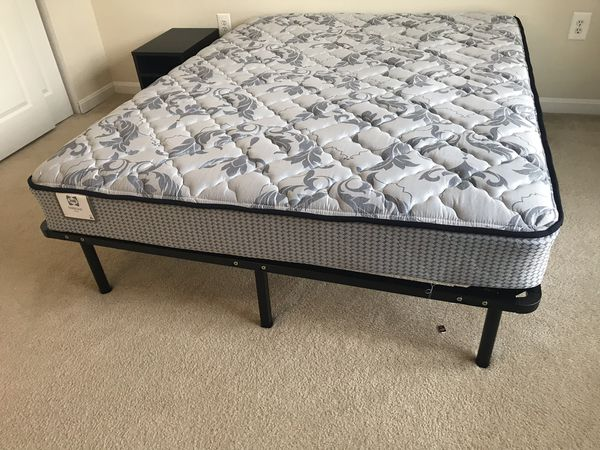 Sealy Pro Parsons Firm mattress in perfect conditions. Two year use.