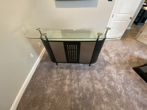 Bar set and chairs for Sale in Winter Park, FL