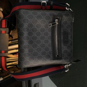 Gucci Side Bag for Sale in Hialeah, FL