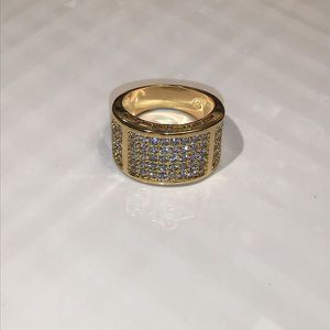 Unisex- 18K Yellow Gold plated Diamond Ring for Sale in Dallas, TX
