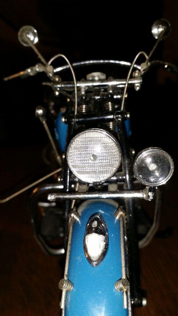Indian Motorcycle 1:10 Scale Die-cast