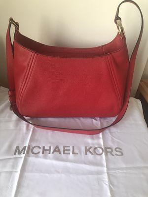 New red shoulders bag brand Michael Kors size M for Sale in Gaithersburg, MD