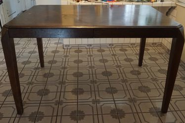 Kitchen Table With Chairs for Sale in Cerritos,  CA