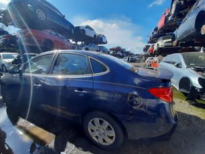 Hyundai elantra 2008 only parts for Sale in Hialeah, FL