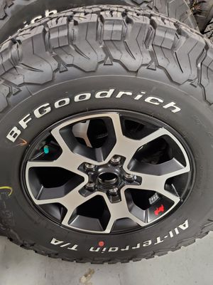 Jeep Rubicon Wheels and Tires for Sale in Brandon, FL