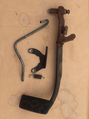 1983 - 1991 CHEVY GMC k5,k10,k20,k30 Suburban Square Body Truck HydroBoost Brake Pedal Square Body Trucks 2wd or 4wd Return Hard Line and Bracket for Sale in Tacoma, WA