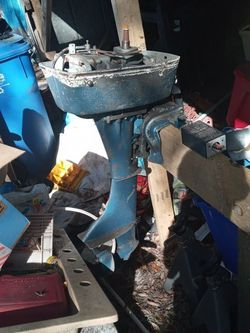 1957 Champion Outboard. Runs Great But Needs Magneto Assembly for Sale in Seffner,  FL
