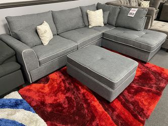 Sectional W/ Ottoman ON SALE🔥 for Sale in Fresno,  CA