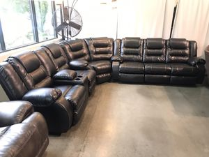 Black Leather Recliner Sectional! for Sale in Portland, OR