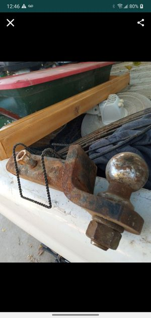 Tow hitch trailer hitch ball trailer towing for Sale in Visalia, CA