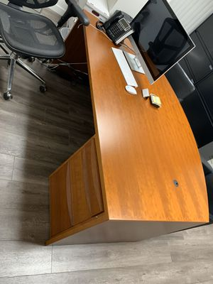 Office furniture for Sale in Glendale, CA