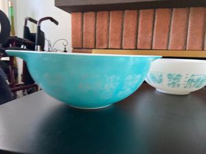 Amish Cinderella Pyrex mixing bowls complete set for Sale in San Diego, CA