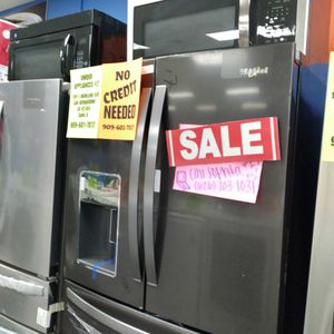 Whirlpool Refrigerator - Ask For Sophia For Discount for Sale in Loma Linda, CA