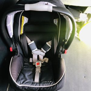 GRACO Snugride 35 Car seat 💺 SAFE 4STAR for Sale in Bell Gardens, CA