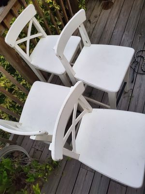 4 white counter height barstools for Sale in Riverview, FL