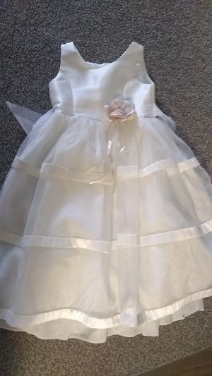 Beautiful girls dress wedding for Sale in Rochester, MN