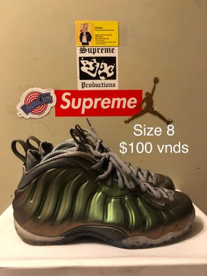 Wmns 'Shine' foams, Size 8 $100 Vnds! for Sale in Hyattsville, MD