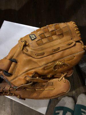 Mizuno softball glove for Sale in Baton Rouge, LA