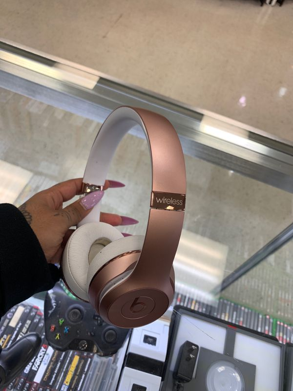 Wireless solo3 rose gold beat headphones only $85!!!