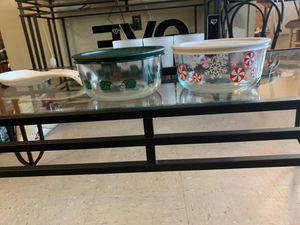 Pyrex small Christmas four piece. set of two bowls with lids for Sale in Brooklyn, NY