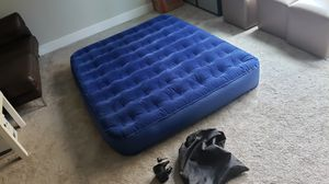 Coleman Air Mattress with Pump for Sale in Issaquah, WA