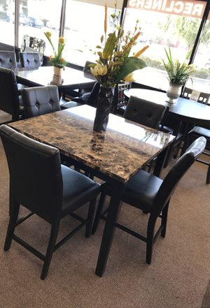 5-pcs dining table on sale @ elegant furniture 🛋🎈 for Sale in Fresno, CA