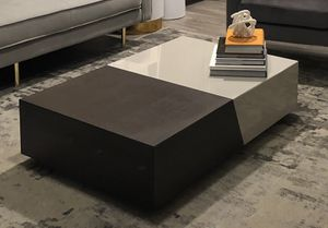 Perseus Extendable Coffee Table - BEST OFFER for Sale in Las Vegas, NV