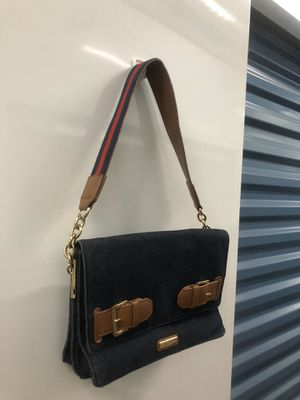 Tommy hilfiger purse for Sale in Spring Valley, CA