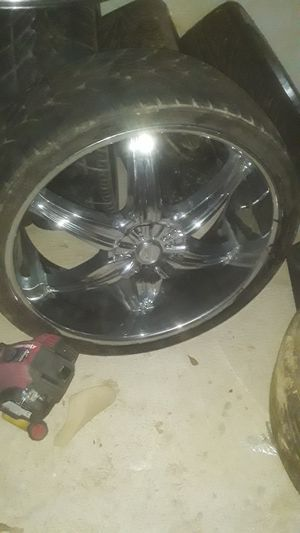 26 and 24 inch rims for Sale in Marksville, LA