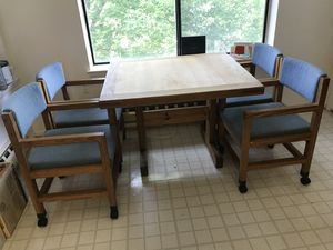 Solid wood kitchen table with four chairs for Sale in Silver Spring, MD