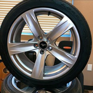 "FORD MUSTANG 19""INCH WHEELS WITH TIRES 245/45/19 for Sale in Ontario, CA"