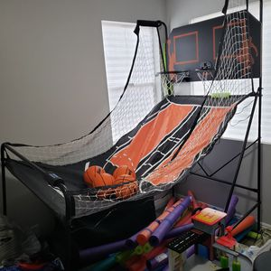 Basketball arcade foldable Like New for Sale in Norco, CA