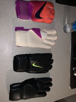 Nike goalkeeping gloves Gunn cut size 10.5 for Sale in Dallas, TX