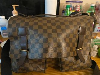 Louis Vuiton Messenger Bag for Sale in Cleveland,  OH