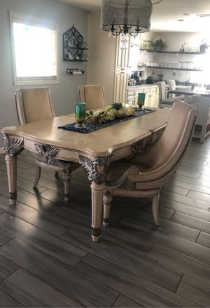 Dinning table and four chairs for Sale in Riverside, CA