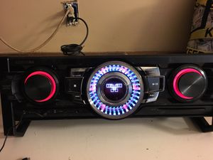 Samsung Bluetooth home stereo for Sale in Jefferson City, MO