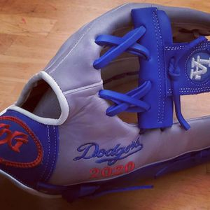 Los Angeles Dodgers Custom Softball Glove & Baseball Glove for Sale in Ontario, CA